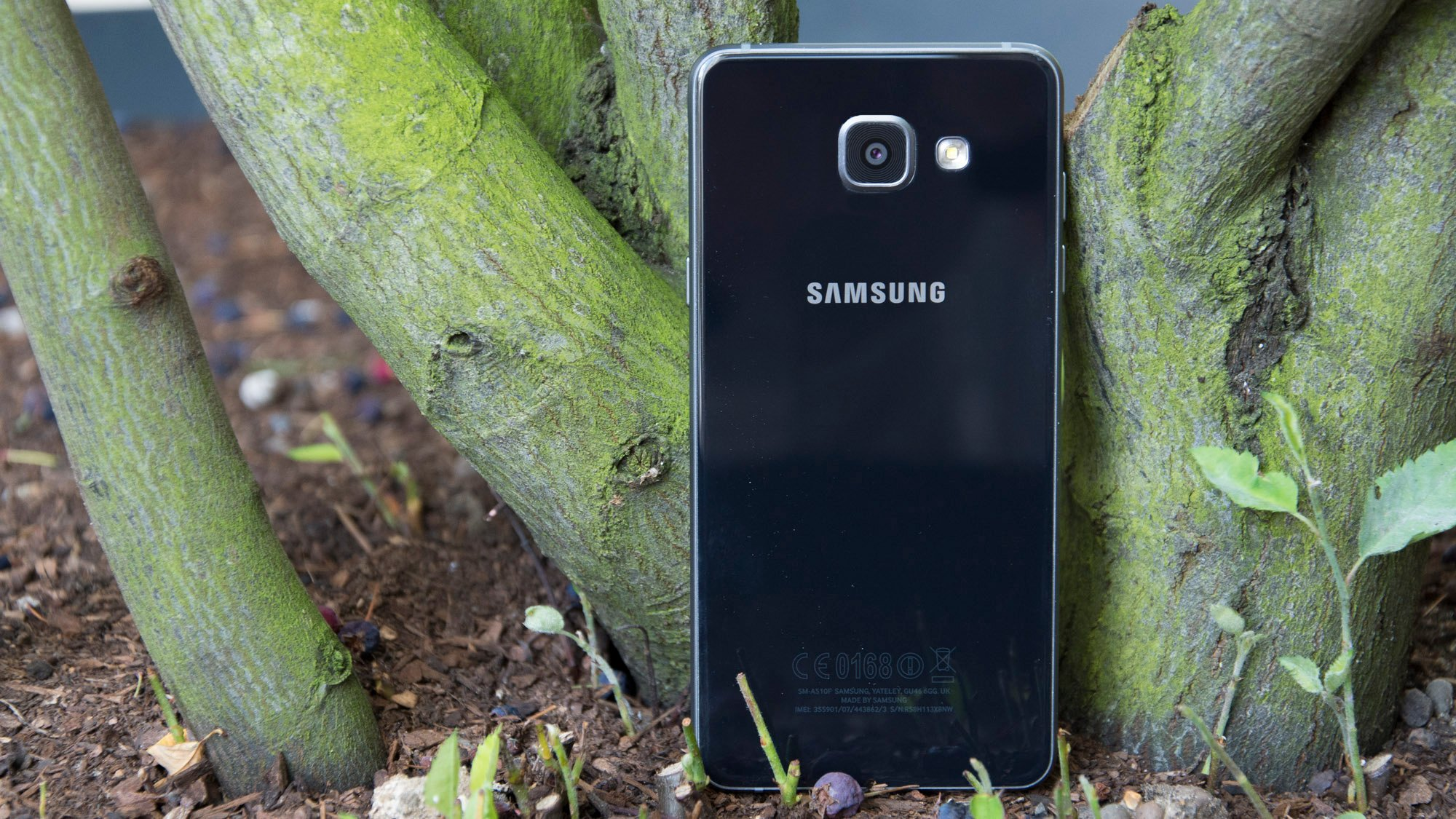 samsung galaxy a5 2016 review worth buying or hold on