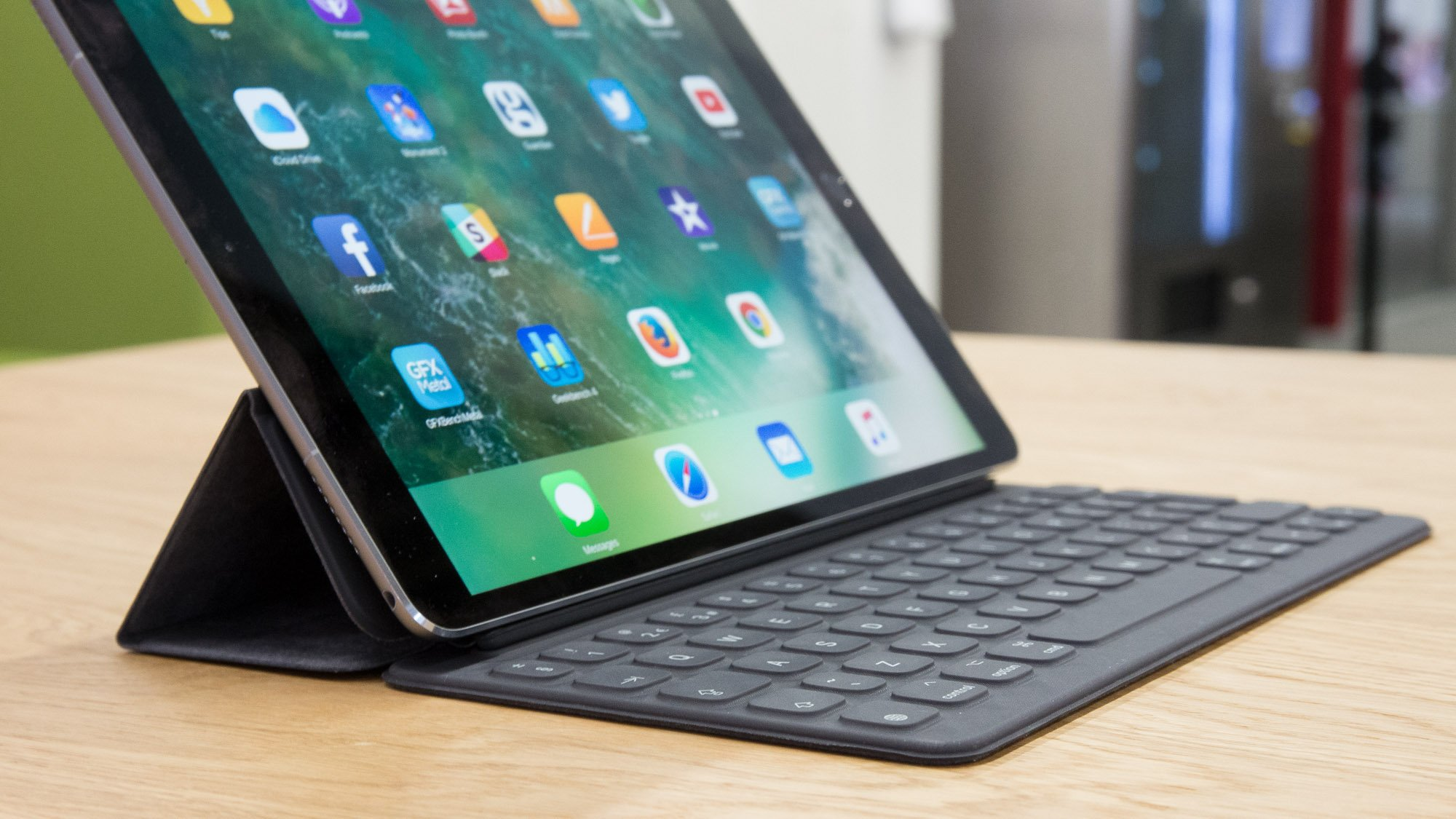 Apple Ipad Pro 10 5in Review Ipad Pro 2 Is The Laptop