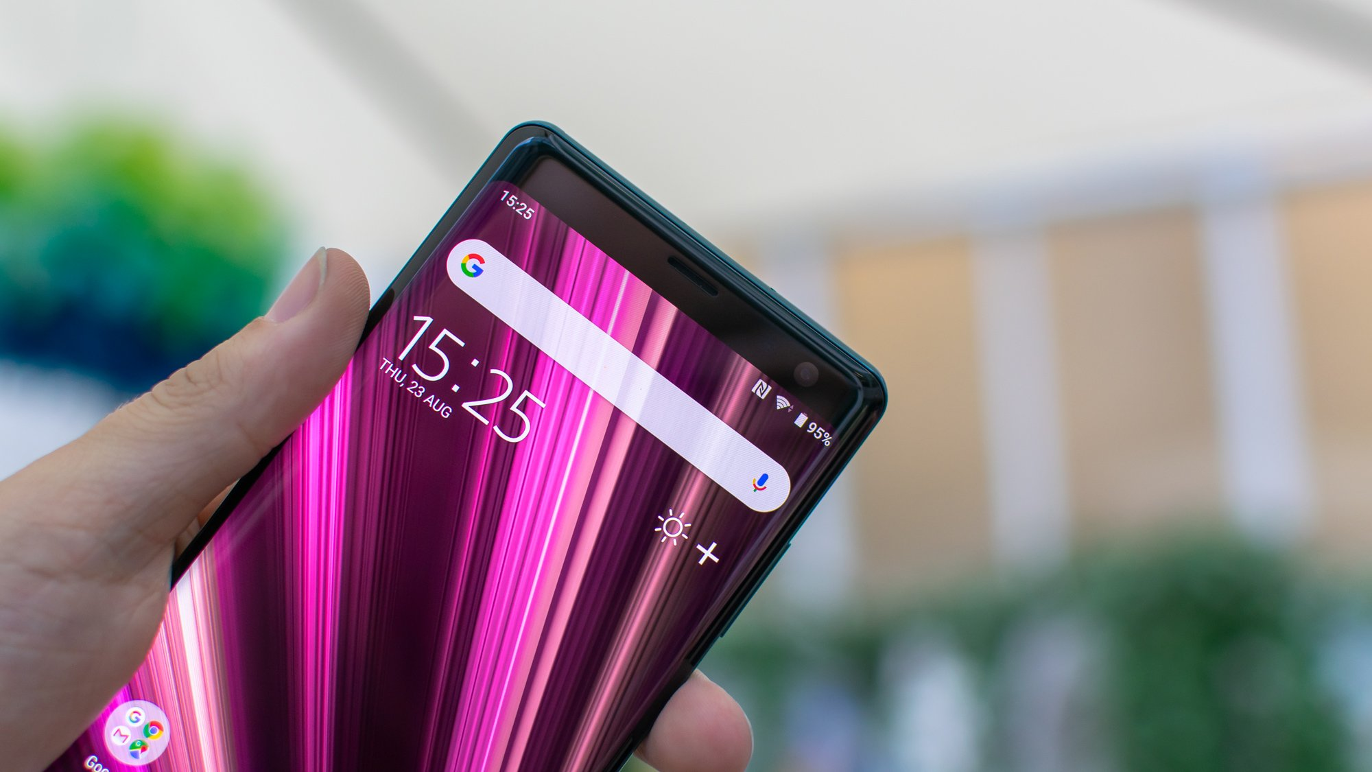 Sony's Xperia XZ3 with Android Pie, Curved OLED display gets launched
