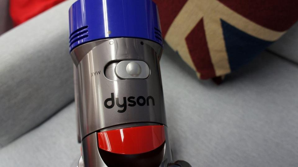 Dyson V8 Absolute max switch
