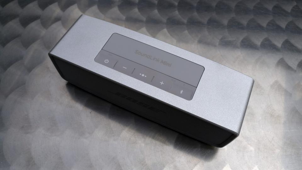 Bose SoundLink Mini II top
