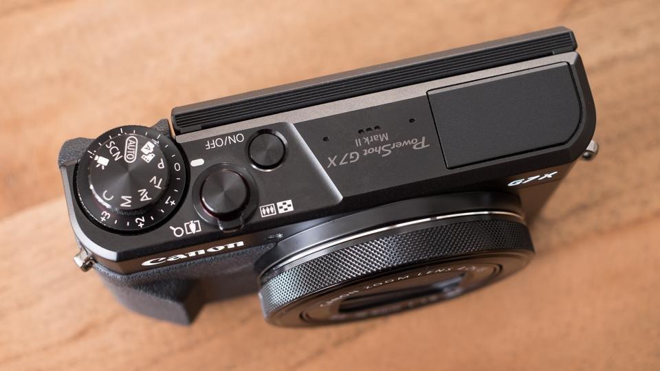 Canon G7 X II top