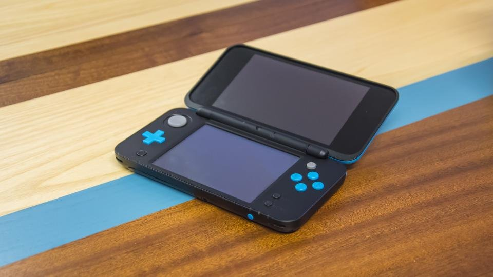 New nintendo 2ds xl review a welcome late addition to for Housse new 2ds xl