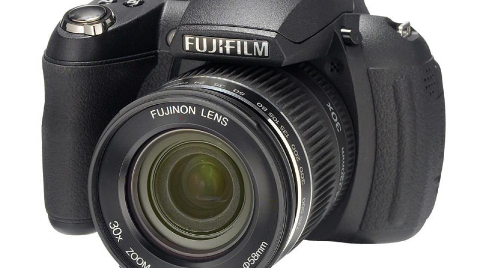fujifilm finepix hs10 review expert reviews rh expertreviews co uk Fujifilm FinePix S1500 fuji finepix hs10 manual focus