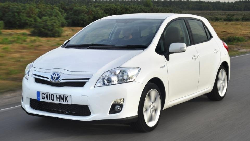 2011 toyota auris hybrid review 2 expert reviews. Black Bedroom Furniture Sets. Home Design Ideas