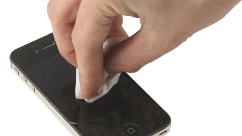 iPhone scratches removal step 2
