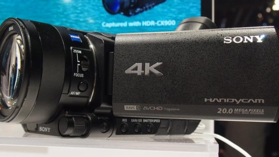 sony fdr ax100 review hands on with first consumer 4k camcorder expert reviews. Black Bedroom Furniture Sets. Home Design Ideas