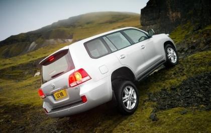 Toyota Land Cruiser V8 rear