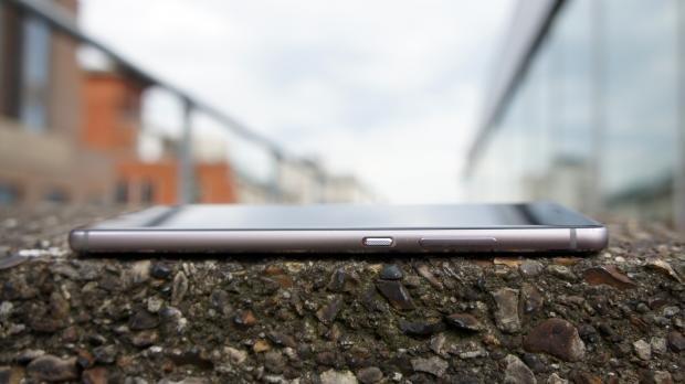 Huawei P9 side