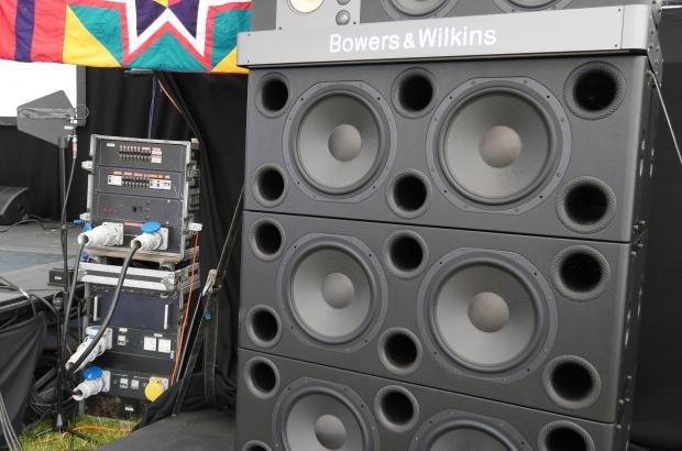 B&W Sound System 3