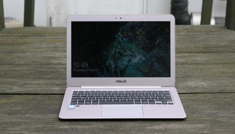 Asus ZenBook UX305CA lead