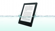 Kobo Aura H2O in water