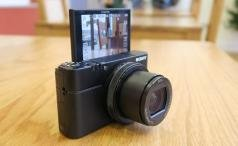 Sony RX100 IV selfie