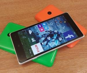 Windows 10 Mobile running on Nokia Lumia 830