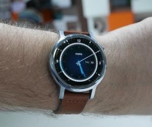 Motorola 2nd Gen Moto 360 13