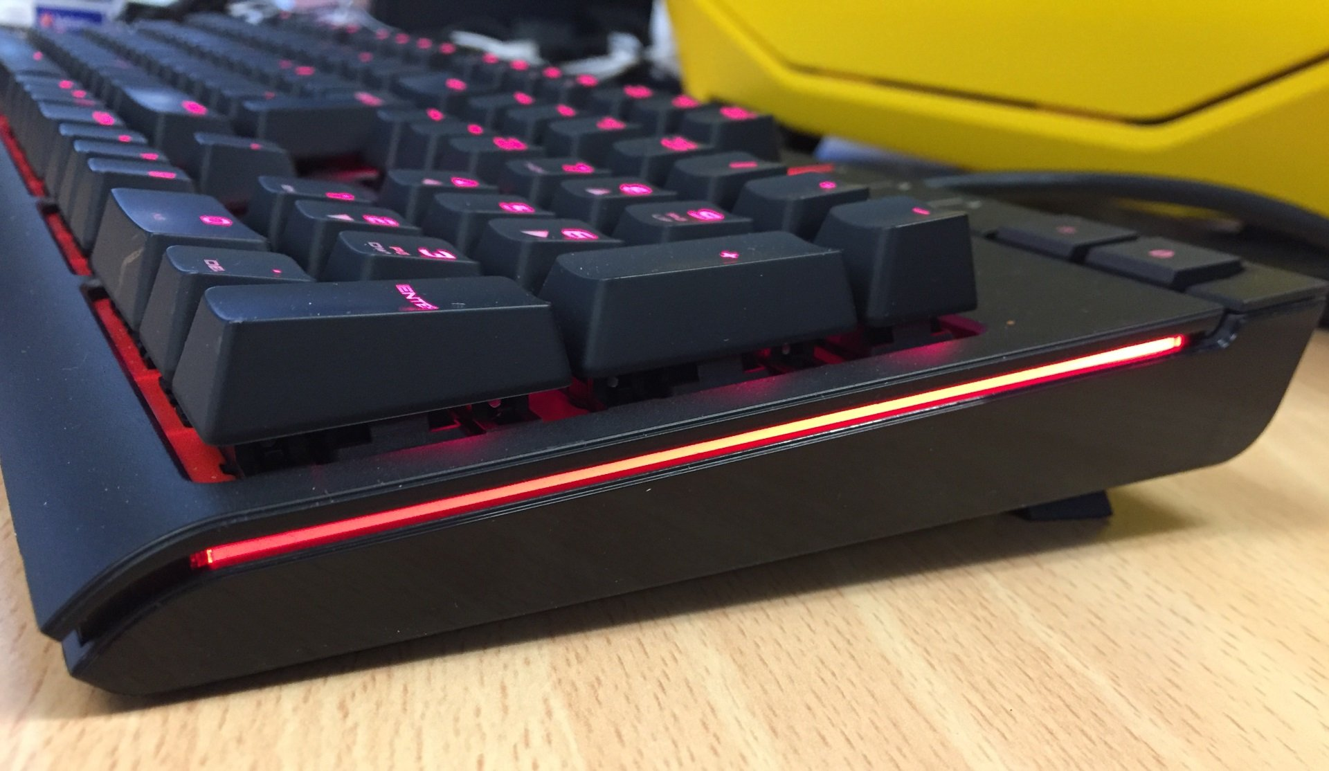 Corsair Strafe Mechanical Gaming Keyboard Review Expert Reviews Rgb Cherry Mx Red Side Lights