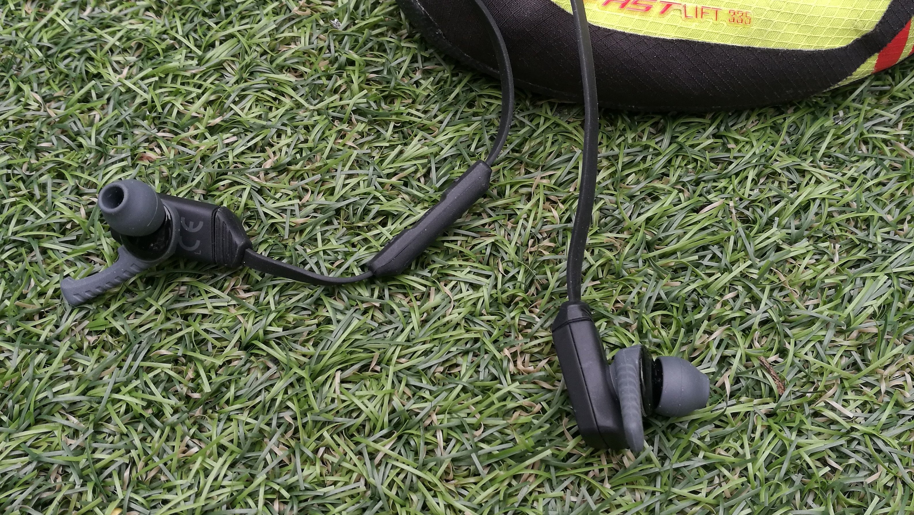 7654b93be21 Skullcandy XTfree review - superb fit but spotty wireless | Expert ...
