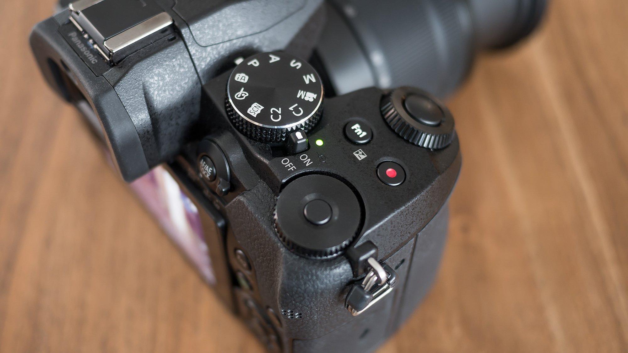 Panasonic G80 dials