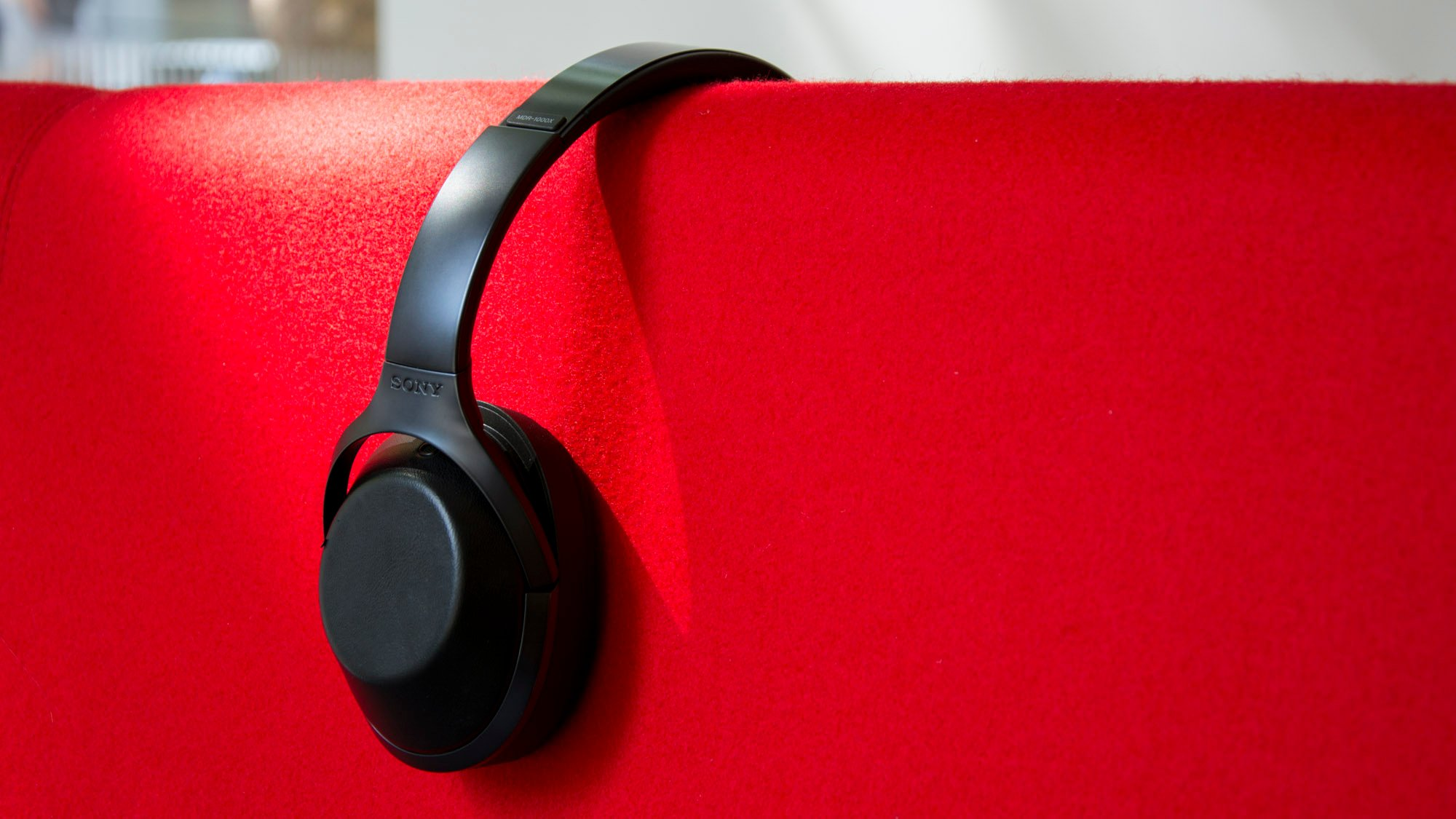 Sony Mdr 1000x Review Now Replaced By The Wh 1000xm2 Expert Reviews Noice Cancelling Bluetooth Headphone
