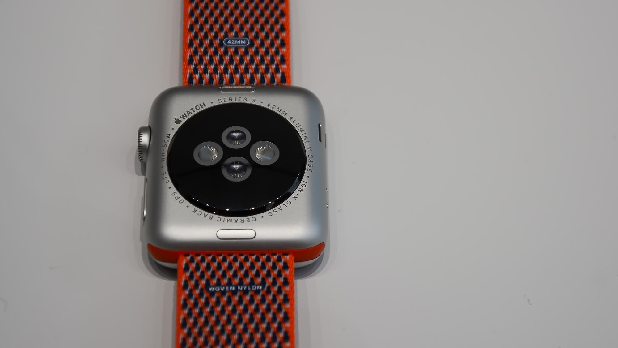 calibre rango Cadena  Apple Watch Series 3 review: Now just £199 | Expert Reviews