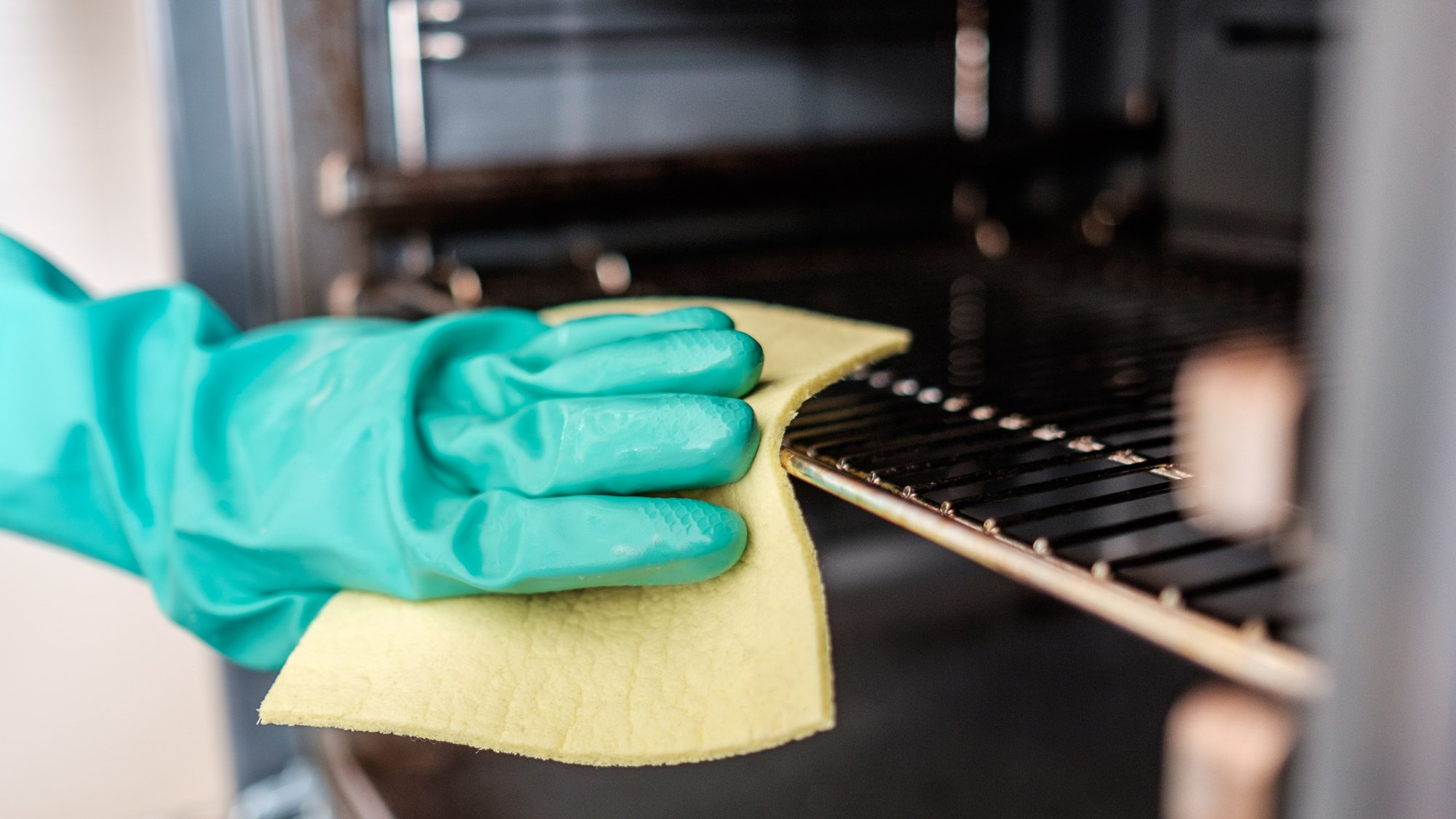 Best Methods For Cleaning Lighting Fixtures: How To Clean Your Oven: Tips, Tricks And The Best Oven