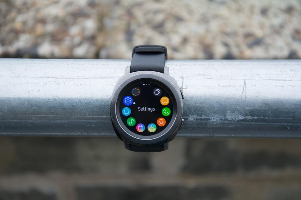 Which Samsung watch should I buy  Should you hold off for the Galaxy ... 5bb505da31c
