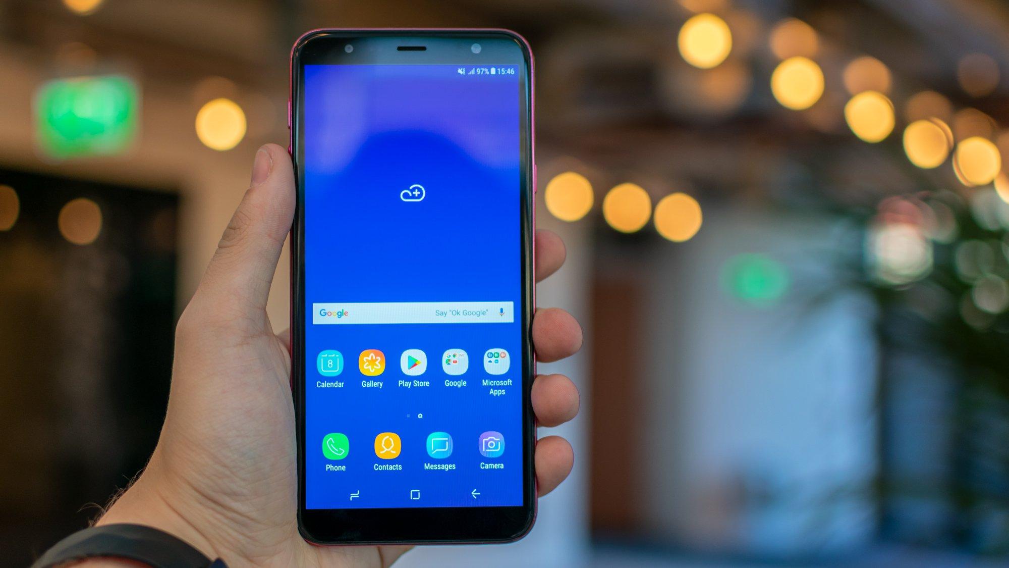 Samsung Galaxy J4 Plus review: Samsung's budget beauty | Expert Reviews