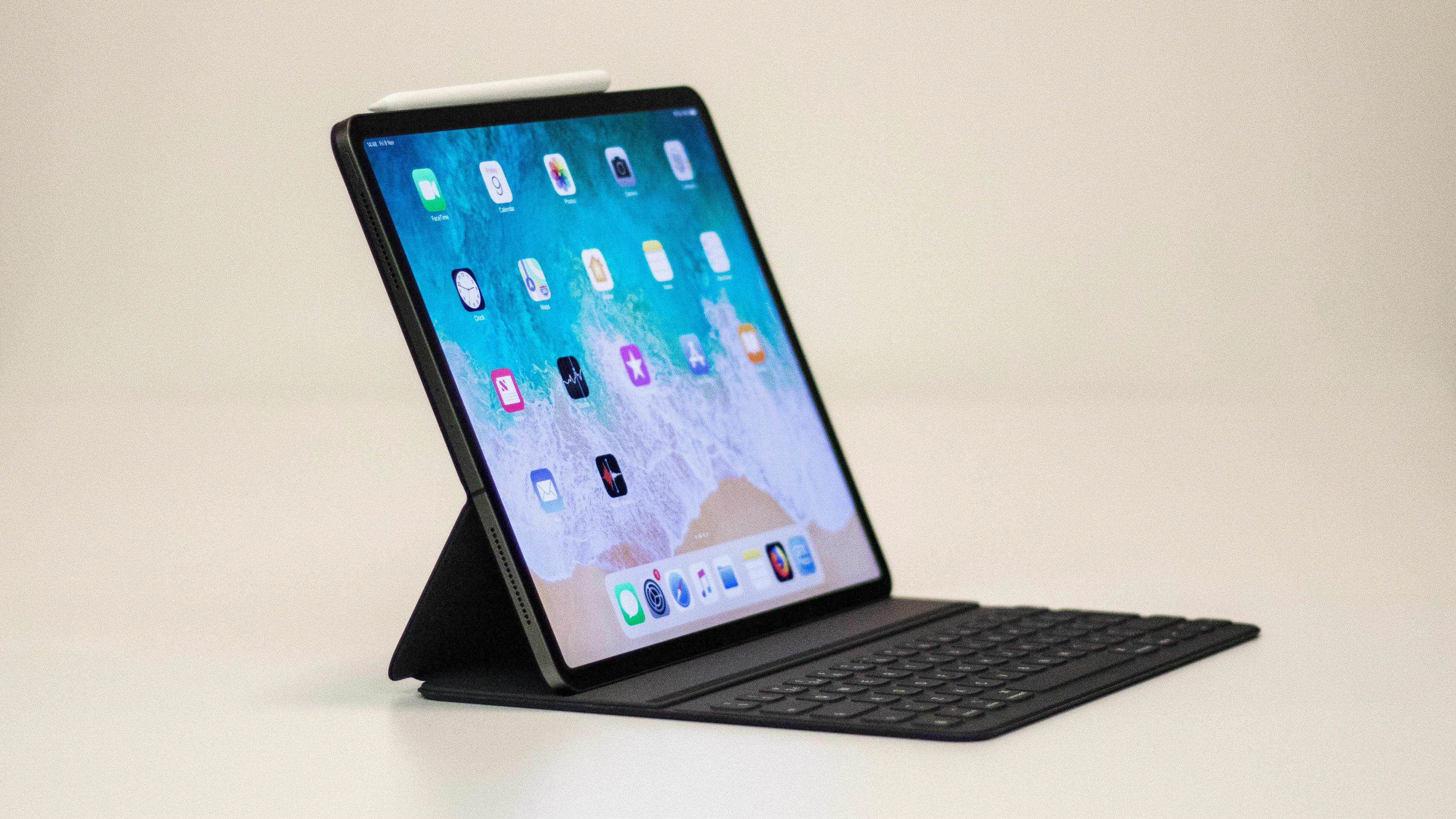 0a0bfe6375fc Since iPad Pro deals are so few and far between, we've got to shout about  this good-looking saving from Currys PC World. The high street giants have  sliced ...