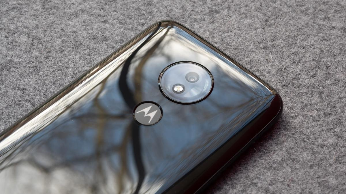 a5aca7c4d15 Motorola s seventh-generation budget handset once again strengthens the  firm s flagship beating lineup. All four phones under the G7 name are solid  picks