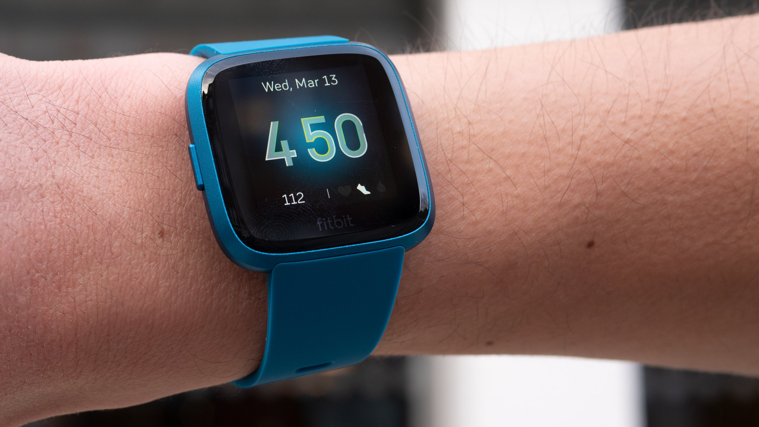Fitbit Versa Lite review: Cuts in all the right places