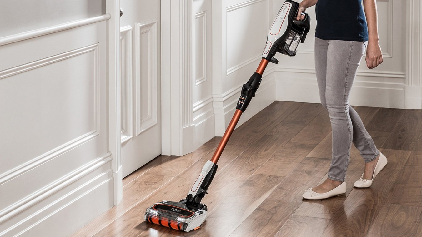 128d6d302f2 The Shark DuoClean Cordless is an accomplished cordless vacuum cleaner that  takes a similar approach to the Dyson V8 and Cyclone V10.