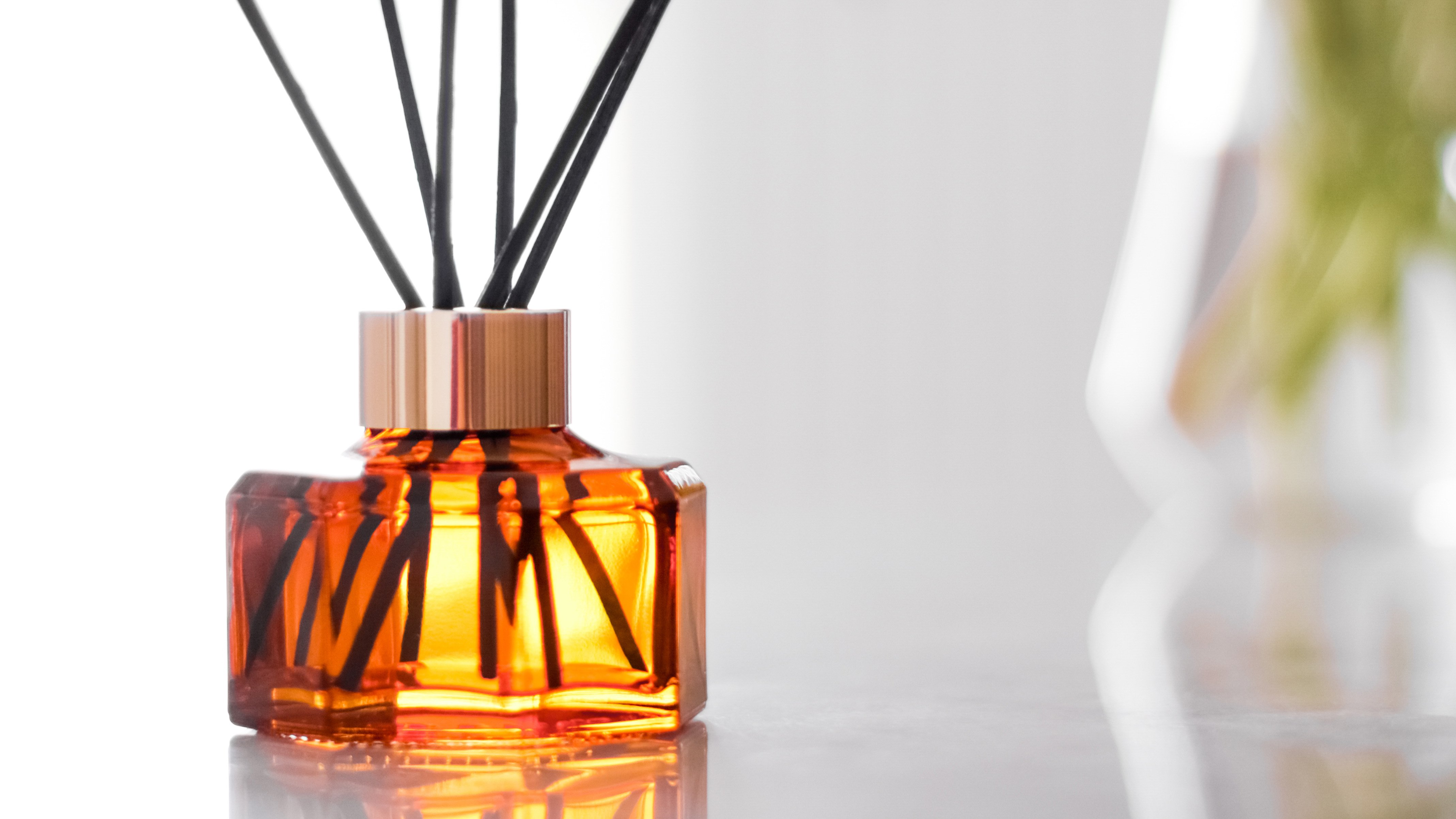 Best Reed Diffuser 2021 Ditch The Plug Ins With Our Favourite Reed Diffusers Expert Reviews