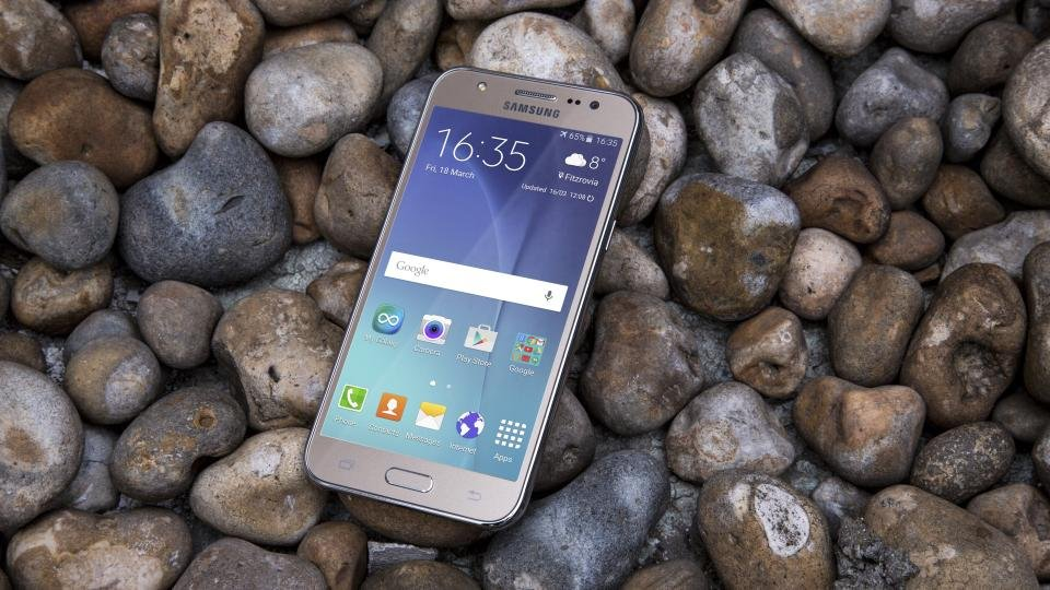 Samsung Galaxy J5 review (2016): 2017 model is here, but is