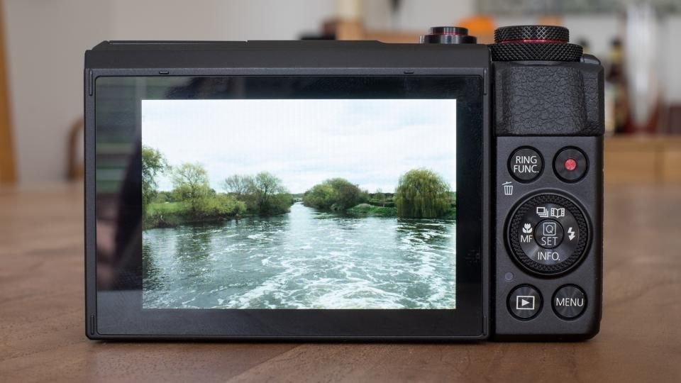 Canon G7 X II back