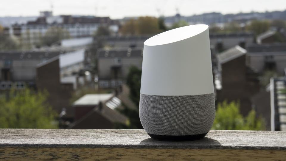 Google Home Review Uk The Amazon Echo Rival Has All The Answers