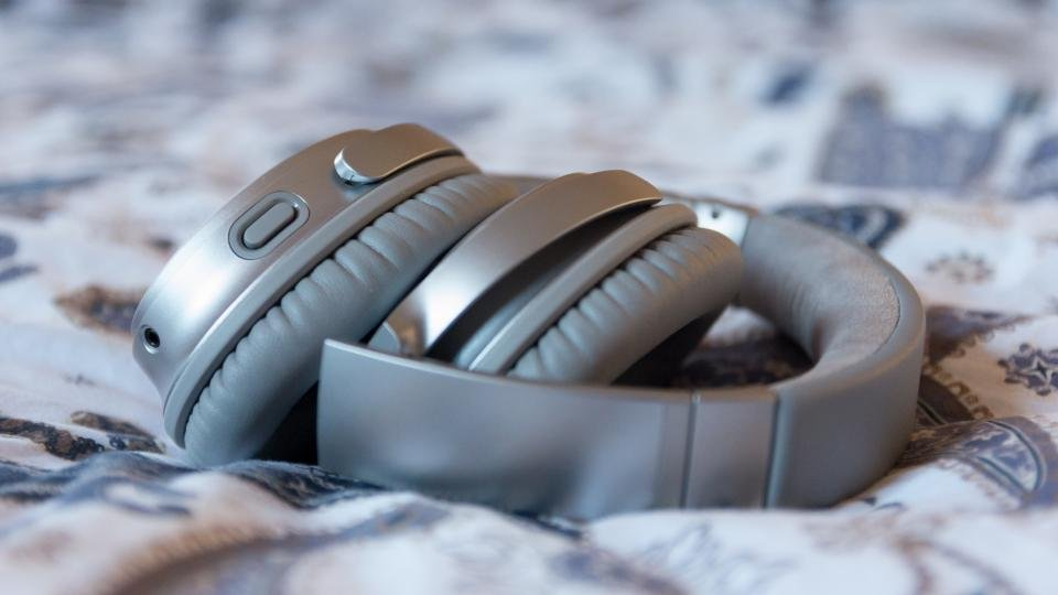 a9e6a408849 Bose QuietComfort 35 II review: Still stupendous, now with added ...