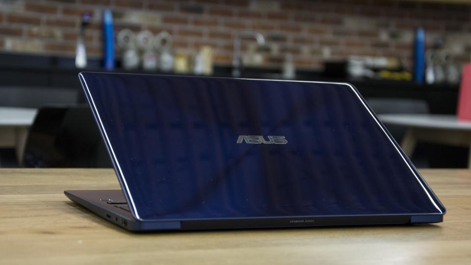 asus zenbook 13 ultra-slim laptop 13.3 review