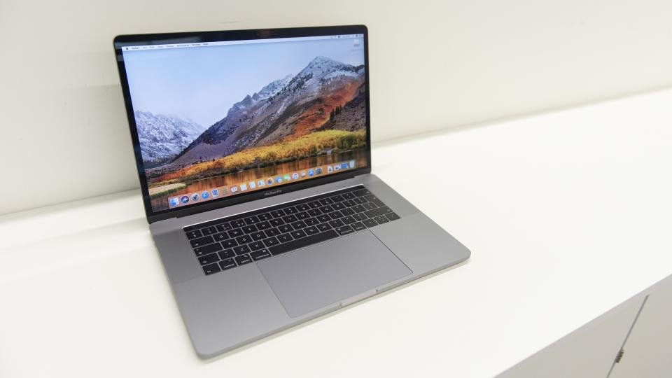 15 Inch Apple Macbook Pro 2018 Review The Most Powerful