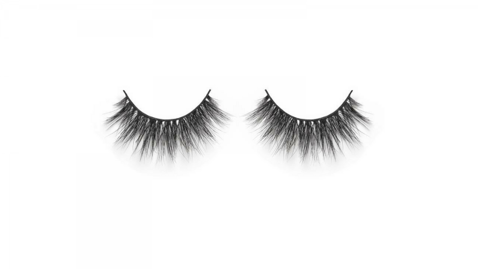 db5afdad459 For a full-impact and flirty look that demands attention, there's no  beating Huda Beauty's triple-stacked Miami 3D Mink lashes.