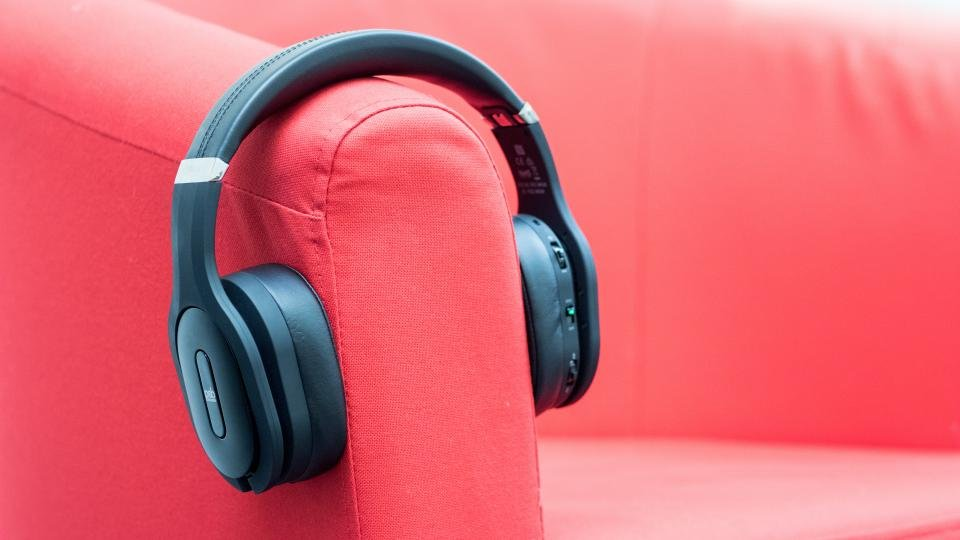 PSB M4U 8 review: The best noise-cancelling headphones for