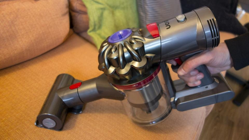 Dyson V7 Animal Review The Cheaper Cordless Dyson