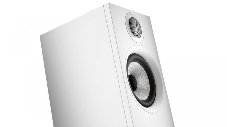 Bowers & Wilkins 607 review: Compact speakers with a razor