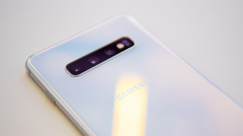Samsung Galaxy S10 Plus review: A phone of rare distinction | Expert