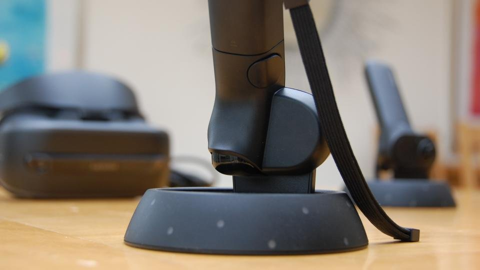 Lenovo Explorer mixed reality headset review: WMR headsets