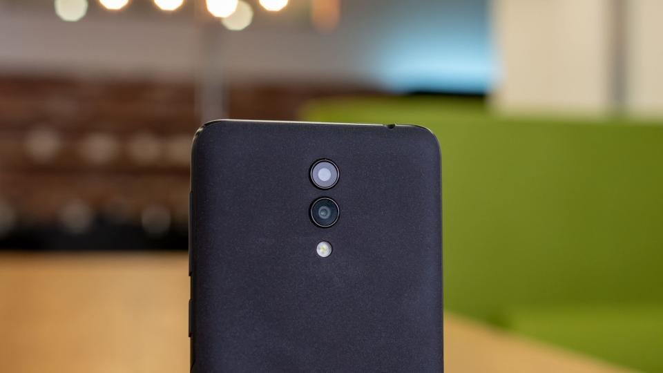 Alcatel 1X (2019) review: Cheap, but miserable | Expert Reviews