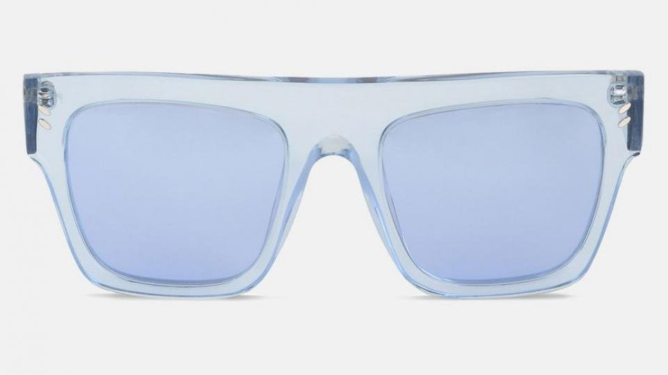 2d51e03fb48dc Semi-transparent frames are also very on-trend for sunglasses-wearers now