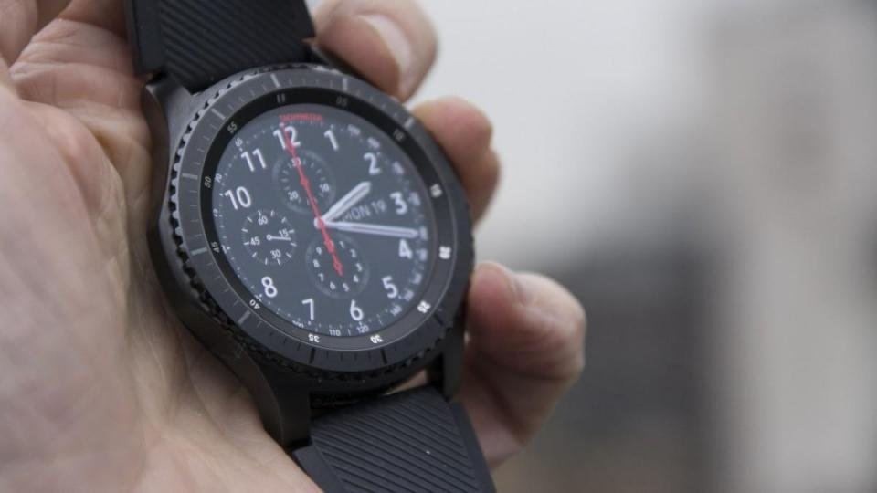 This Samsung Gear S3 smartwatch deal is incredible value