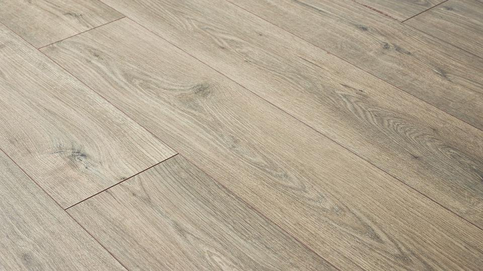 Best Laminate Flooring 2020 Get Flaw Free Floors With Our Pick Of