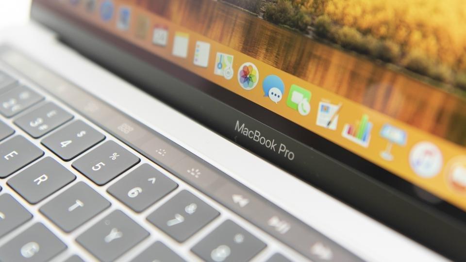Apple acknowledges 13in MacBook Pro random shutdown issue