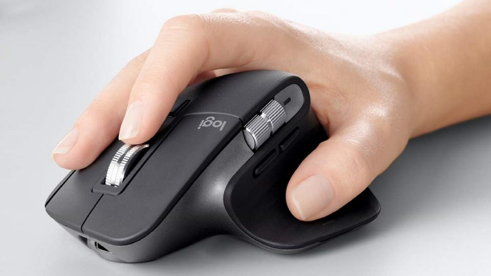 Logitech MX Master 3 in the hand